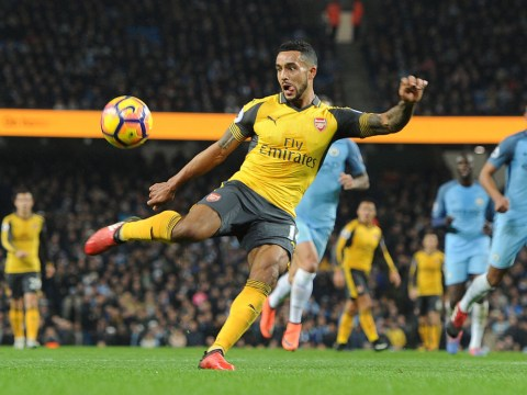 Theo Walcott offers advice to struggling Arsenal star Alex Oxlade-Chamberlain
