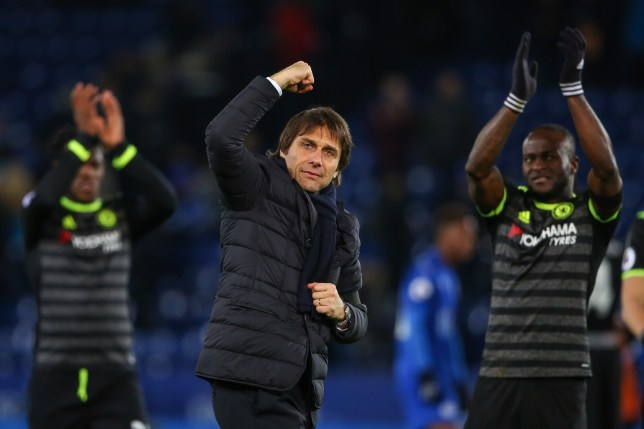 LEICESTER, ENGLAND - JANUARY 14: Antonio Conte head coach / manager of Chelsea celebrates at full time during the Premier League match between Leicester City and Chelsea at The King Power Stadium on January 14, 2017 in Leicester, England. (Photo by Robbie Jay Barratt - AMA/Getty Images)