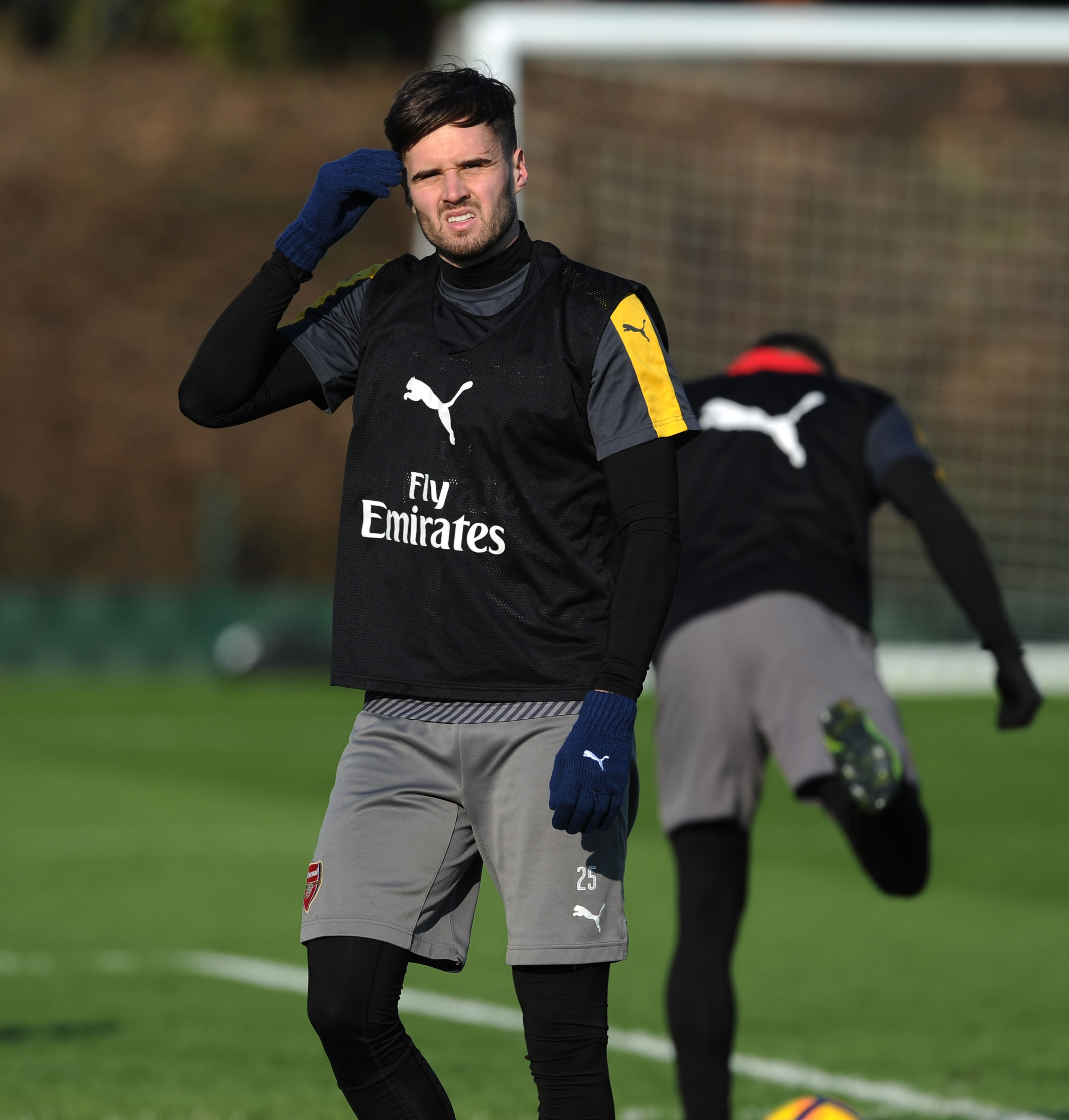 Carl Jenkinson and Mathieu Debuchy set to stay at Arsenal with lack of suitors on transfer deadline day