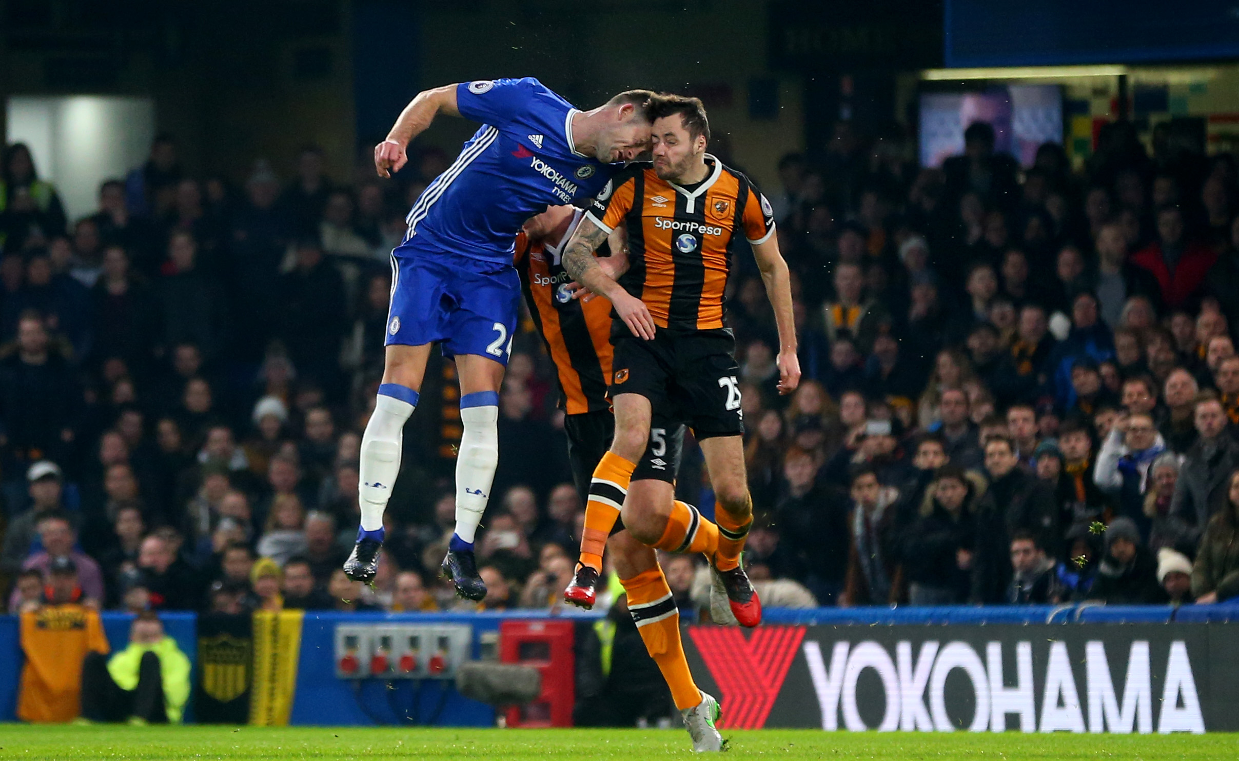 Hull City midfielder Ryan Mason 'stable' after suffering fractured skull in sickening clash of heads