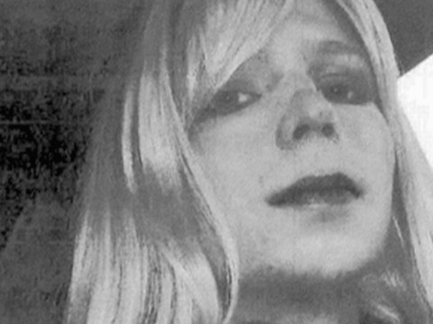 Chelsea Manning to be released from prison as Obama commutes sentence