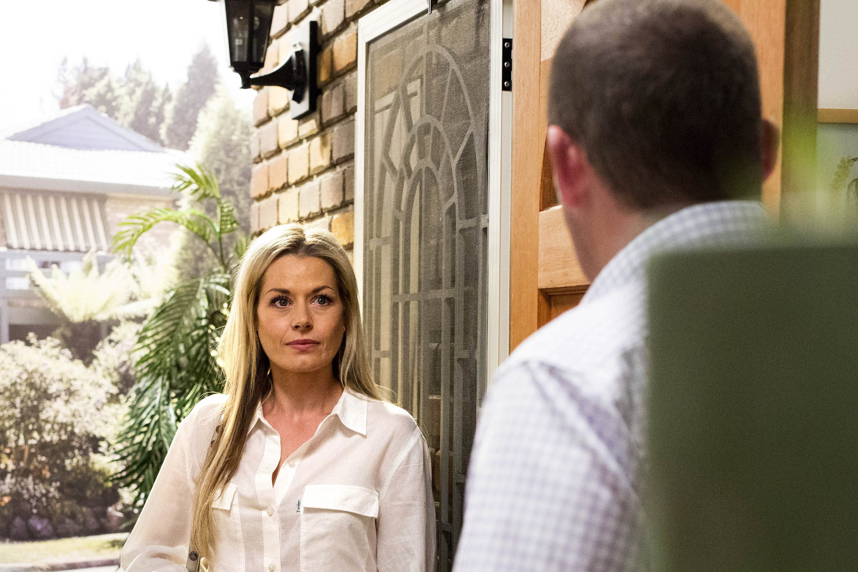 Neighbours spoilers: Madeleine West reveals all about Dee Bliss' explosive return