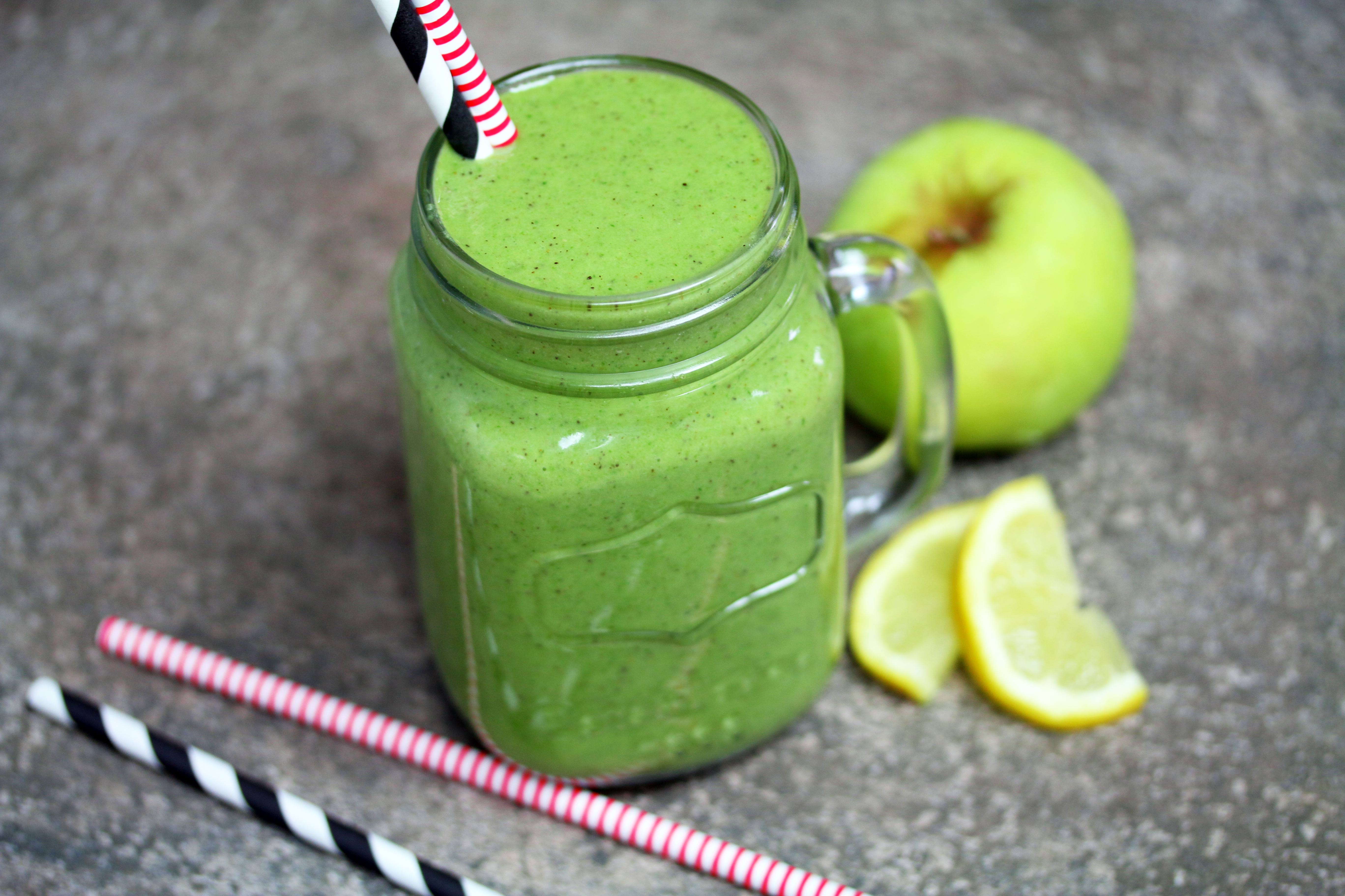 Vegan recipe video: Here's how to make a super healthy green smoothie
