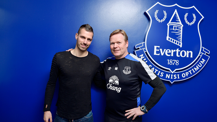 Everton confirm Morgan Schneiderlin will wear no.2 shirt after signing from Manchester United