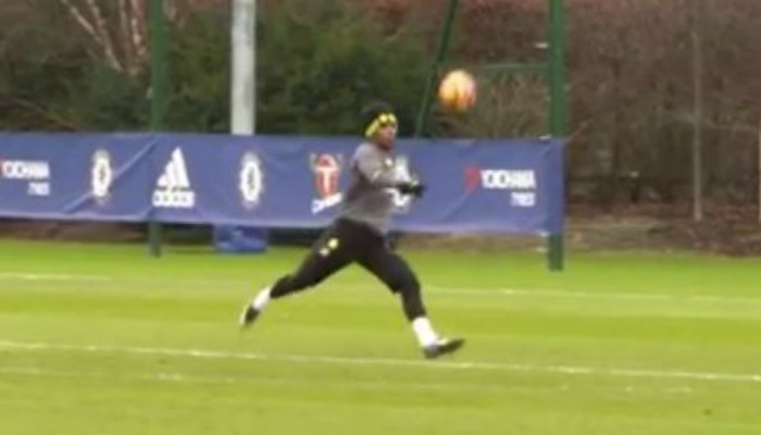 Willian actually apologises to Asmir Begovic after ridiculous goals in Chelsea training