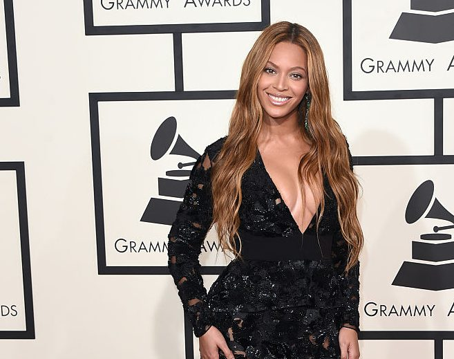 Beyonce's pregnancy won't stop her performing at the Grammys
