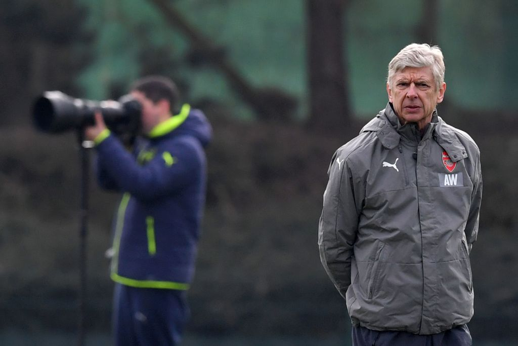 Arsenal's French manager Arsene Wenger takes a training session on the eve of their UEFA Champions League round of 16 1st leg football match against Bayern Munich, at Arsenal's London Colney training ground on February 14, 2017. / AFP / BEN STANSALL        (Photo credit should read BEN STANSALL/AFP/Getty Images)