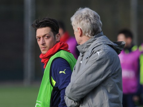 Mesut Ozil needs to copy Arsenal team-mate Alexis Sanchez, says Martin Keown