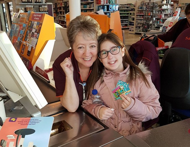 sainsburys worker helps little girl with anxiety attack