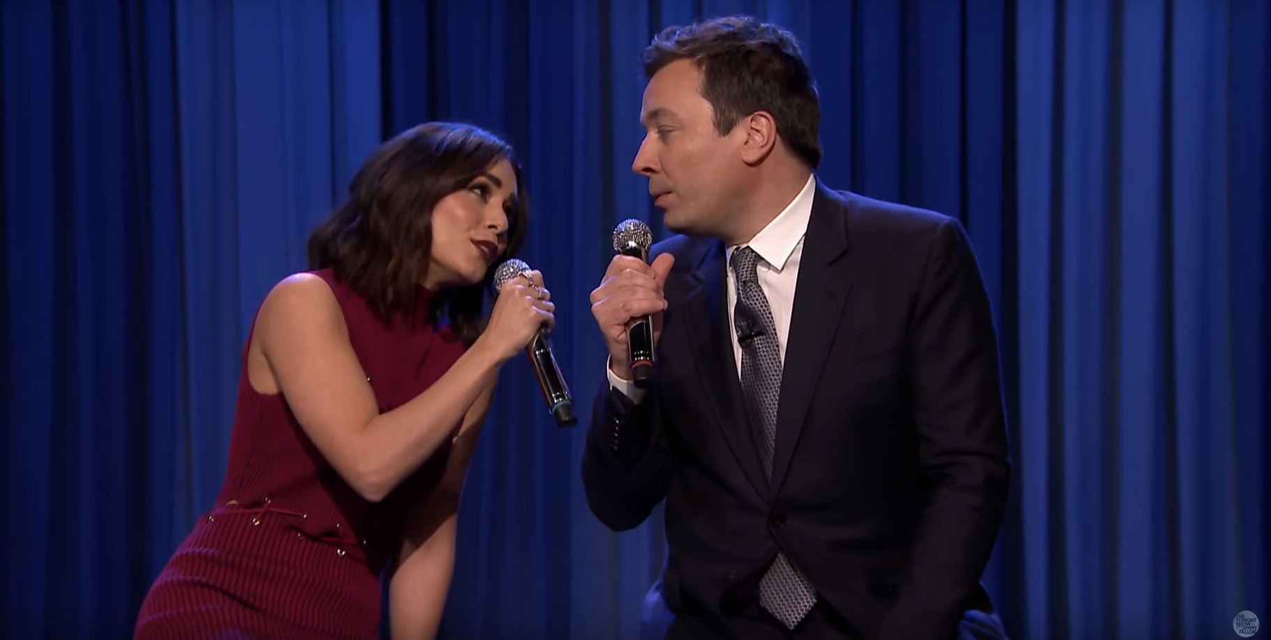 Vanessa Hudgens and Jimmy Fallon recreate the Friends theme song