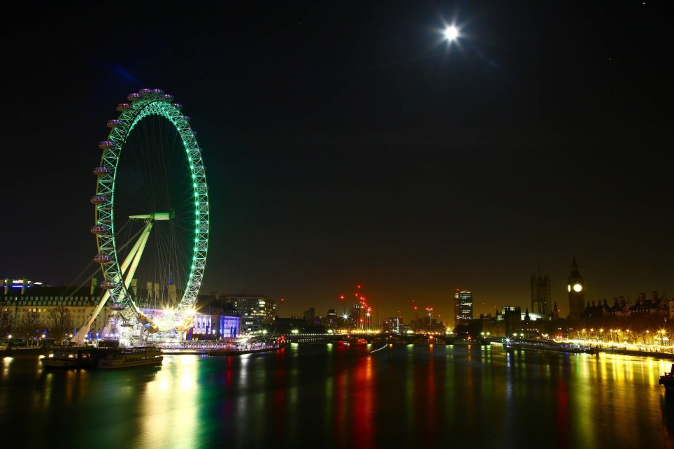 EDITORIAL USE ONLY The Coca-Cola London Eye, on London's South Bank is lit green by Tourism Ireland to celebrate St Patrick's Day, which is on Friday 17th March. PRESS ASSOCIATION Photo. Issue date: Friday March 17, 2017. Photo credit should read: Geoff Caddick/PA Wire