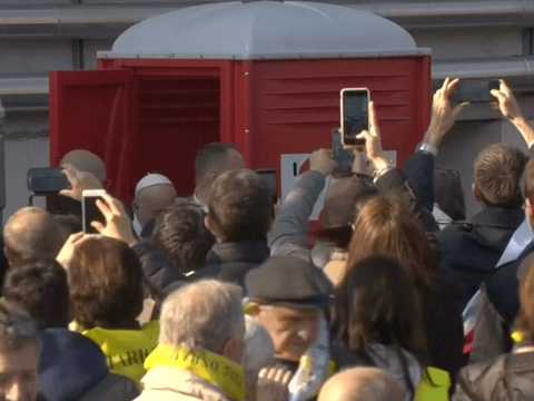 Pope mobbed by cameraphone-wielding crowd while using Portaloo