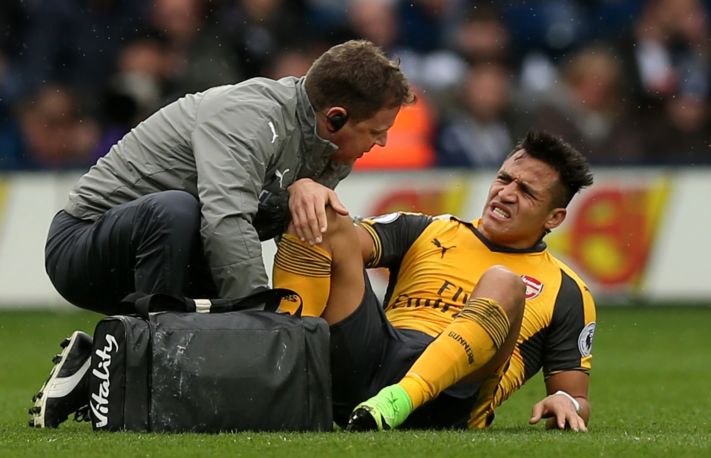 Alexis Sanchez risks sparking new row between Arsenal and Chile over ankle injury