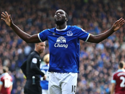 Romelu Lukaku considering rejecting Chelsea return in favour of Manchester United switch