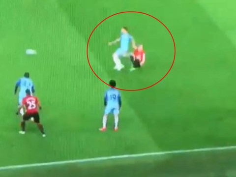 Arsenal fans fume at Manchester United's Ander Herrera after shameful bit of play-acting