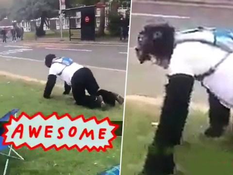 A man dressed as a gorilla is still crawling the London Marathon