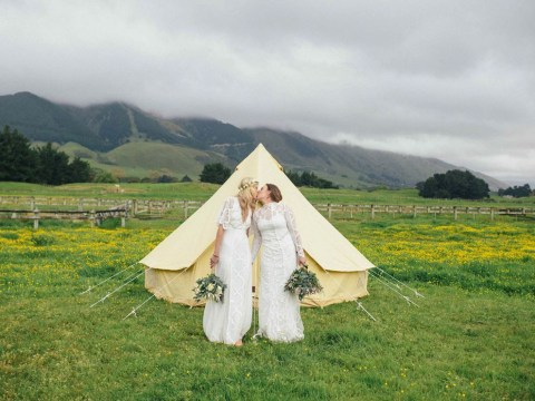 Same-sex Australian couple travels to New Zealand to legally marry in beautiful ceremony