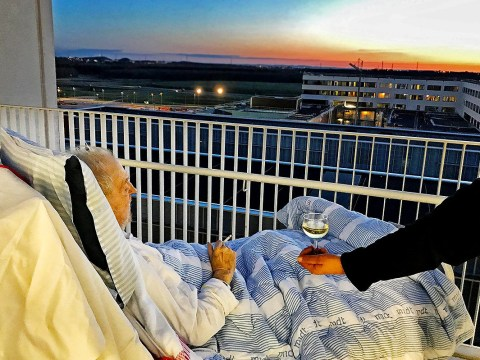 Dying man granted final wish by hospital: A cigarette and a glass of wine