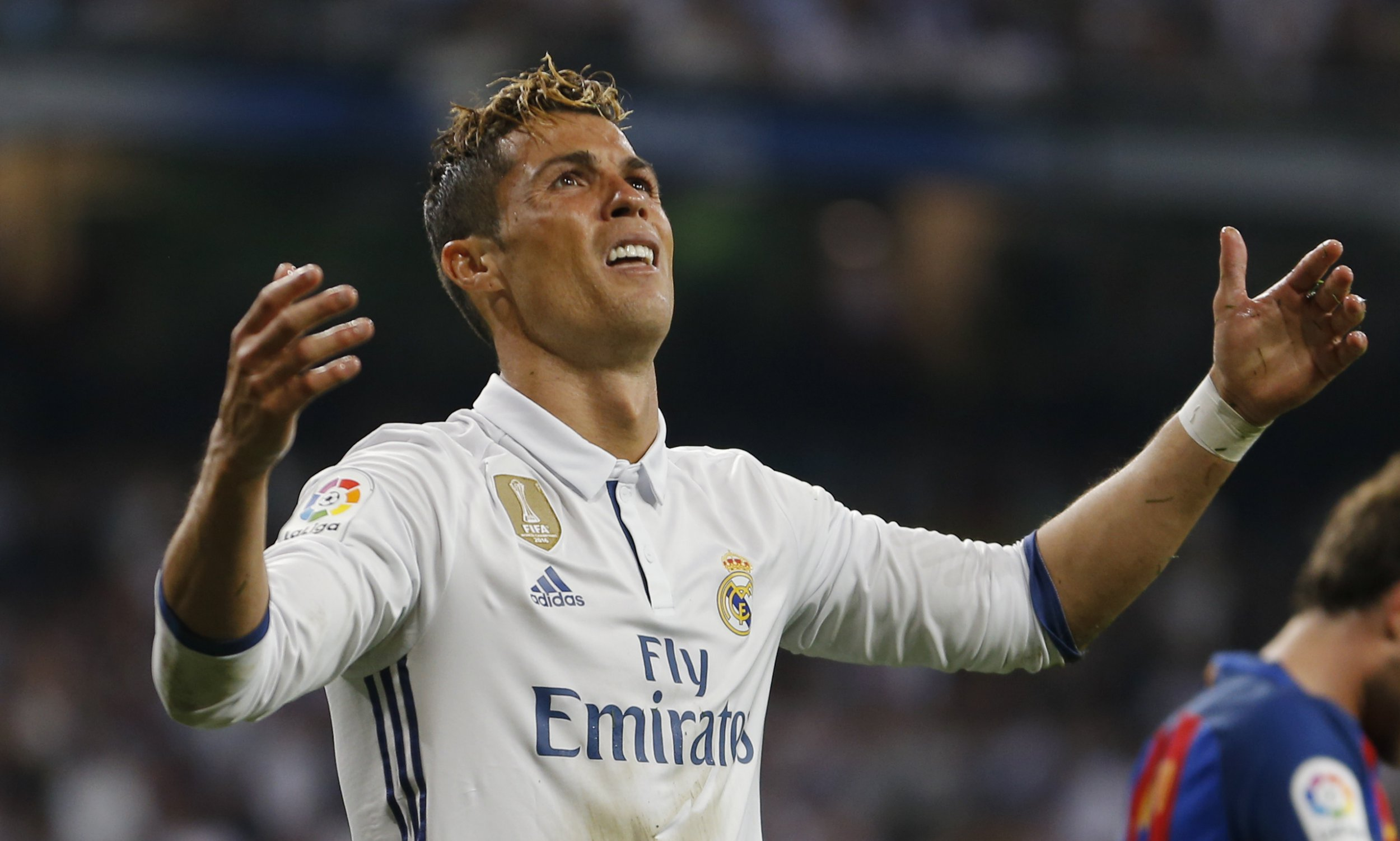 Cristiano Ronaldo's only problem is Lionel Messi, claims Xavi