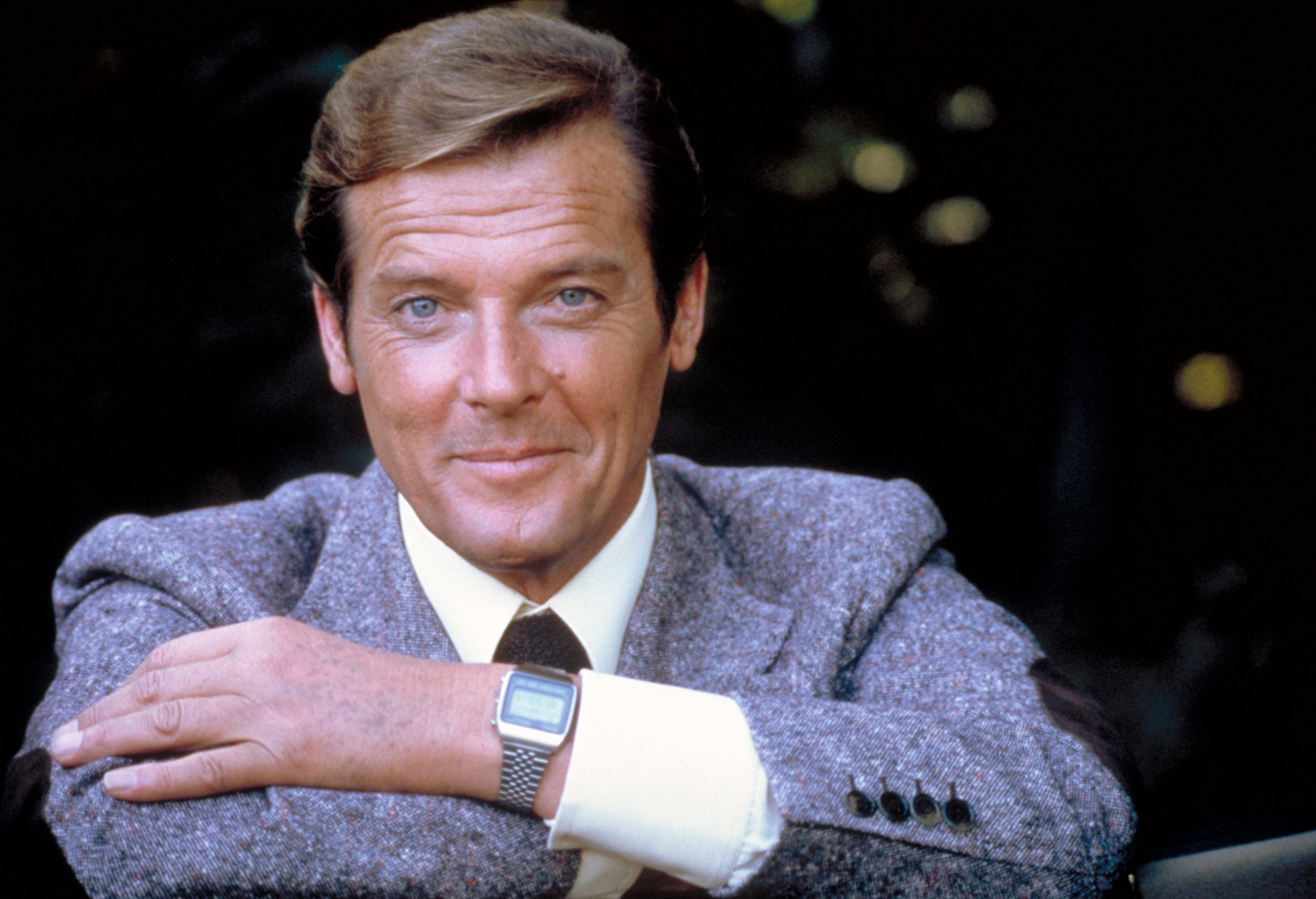 From Daniel Craig to Britt Ekland: James Bond actors and Bond girls pay tribute to Sir Roger Moore