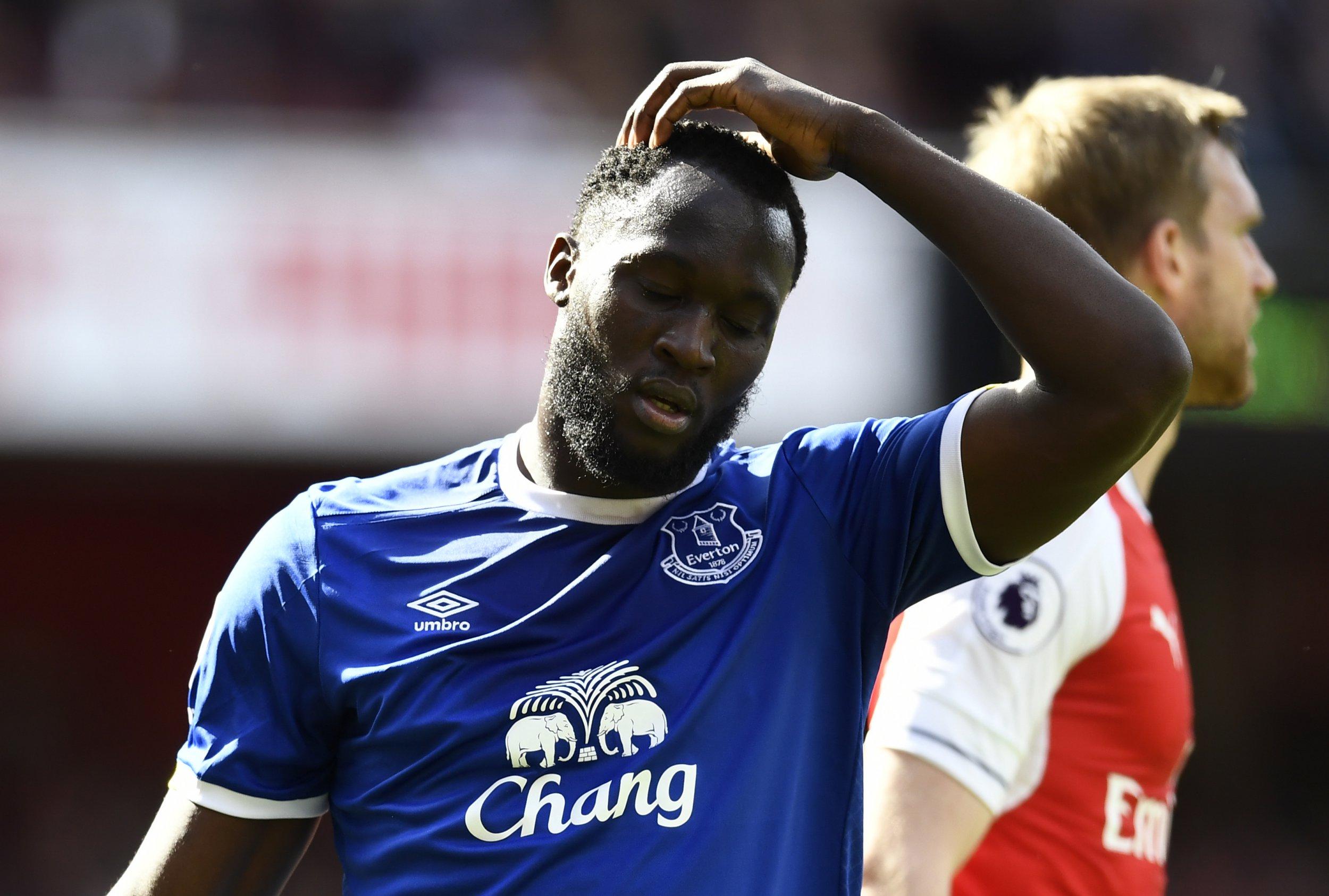 Chelsea match Manchester United's transfer bid for Romelu Lukaku