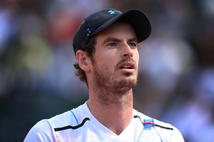 What time is Andy Murray playing at Wimbledon against Benoît Paire?