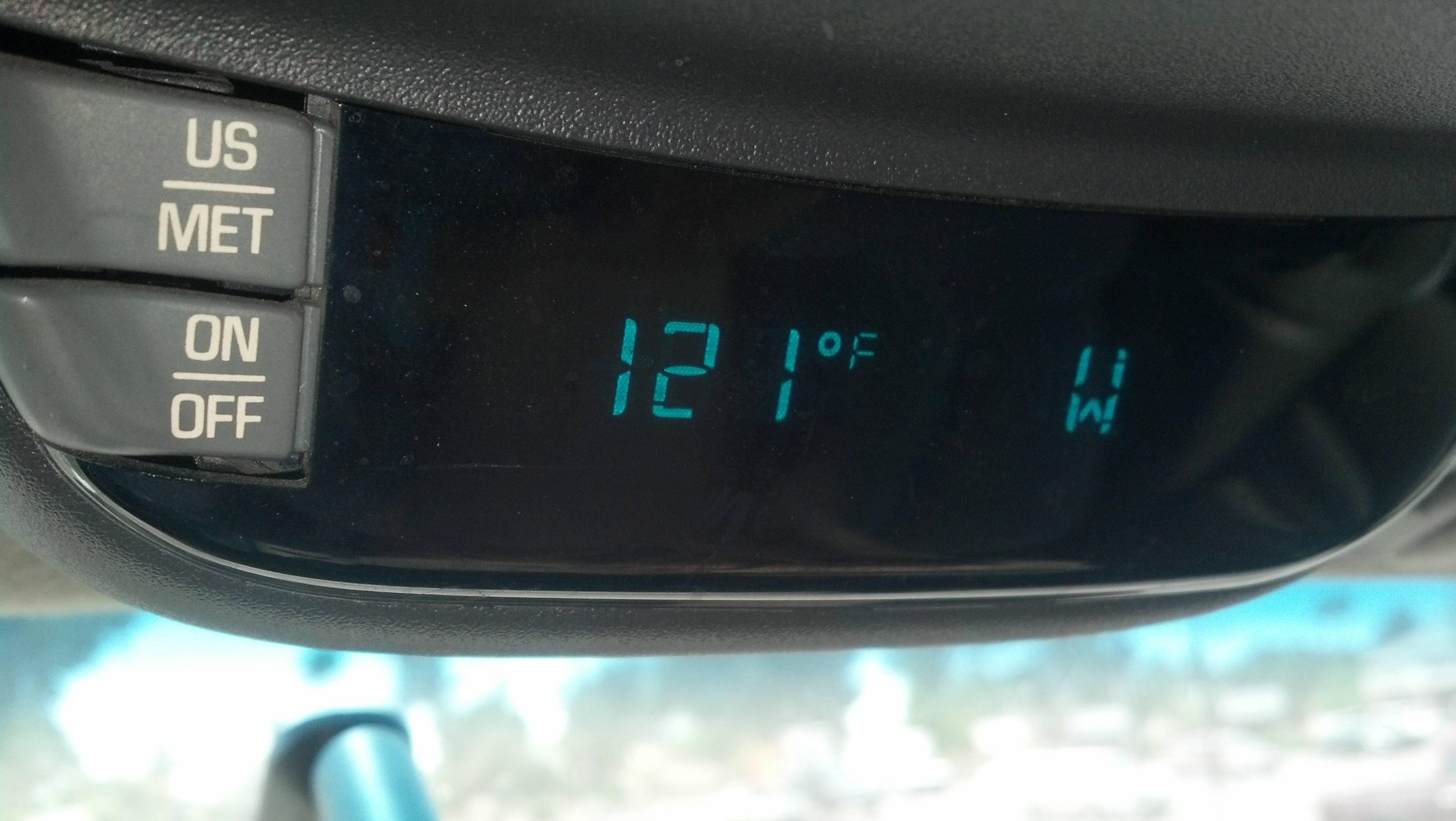 temperature in arizona state shown in a car