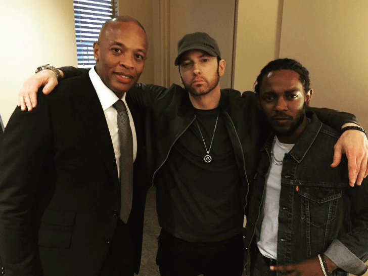 Eminem's got a whole new look and people are in two minds