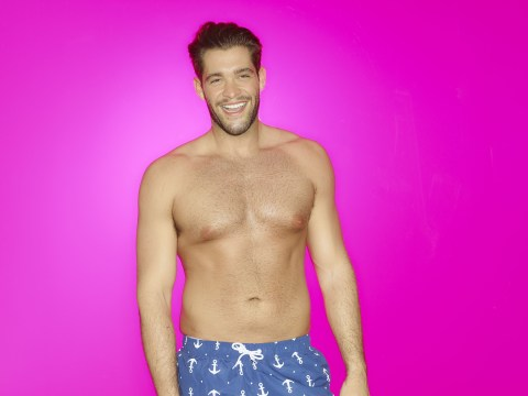 Love Island newbie high flyer Jonny Mitchell can spot a gold digger from a mile, apparently