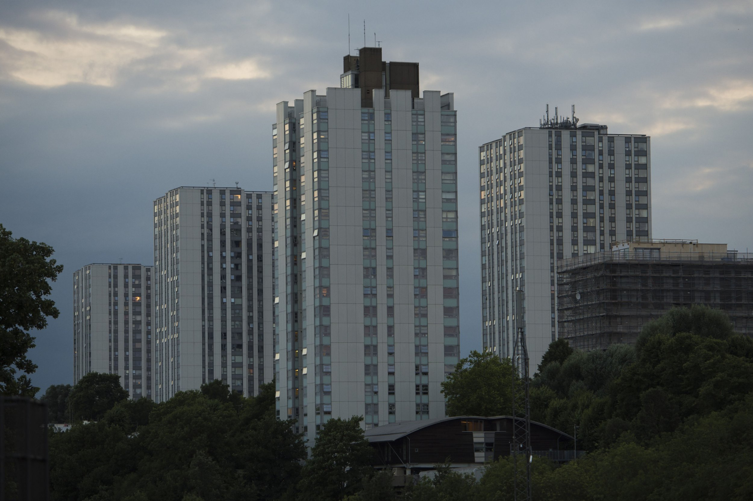 Tower blocks evacuated after Grenfell fire have 1,000 missing fire doors