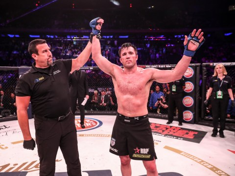 Chael Sonnen defeats Wanderlei Silva in grudge match at Bellator NYC