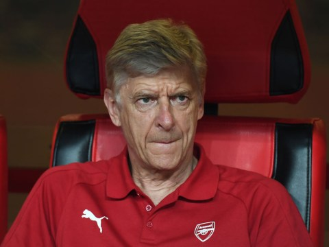 Arsene Wenger apologises to Lucas Perez in private meeting