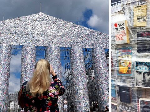 Artist uses 100,000 banned books to build a full-sized Parthenon at a former Nazi book burning site