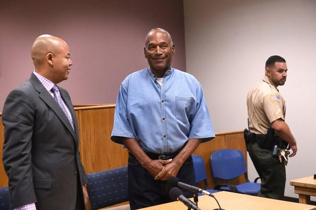 O.J. Simpson (center) arrives for his parole hearing at Lovelock Correctional Centre in Lovelock, Nevada, U.S. July 20, 2017. REUTERS/Jason Bean/POOL