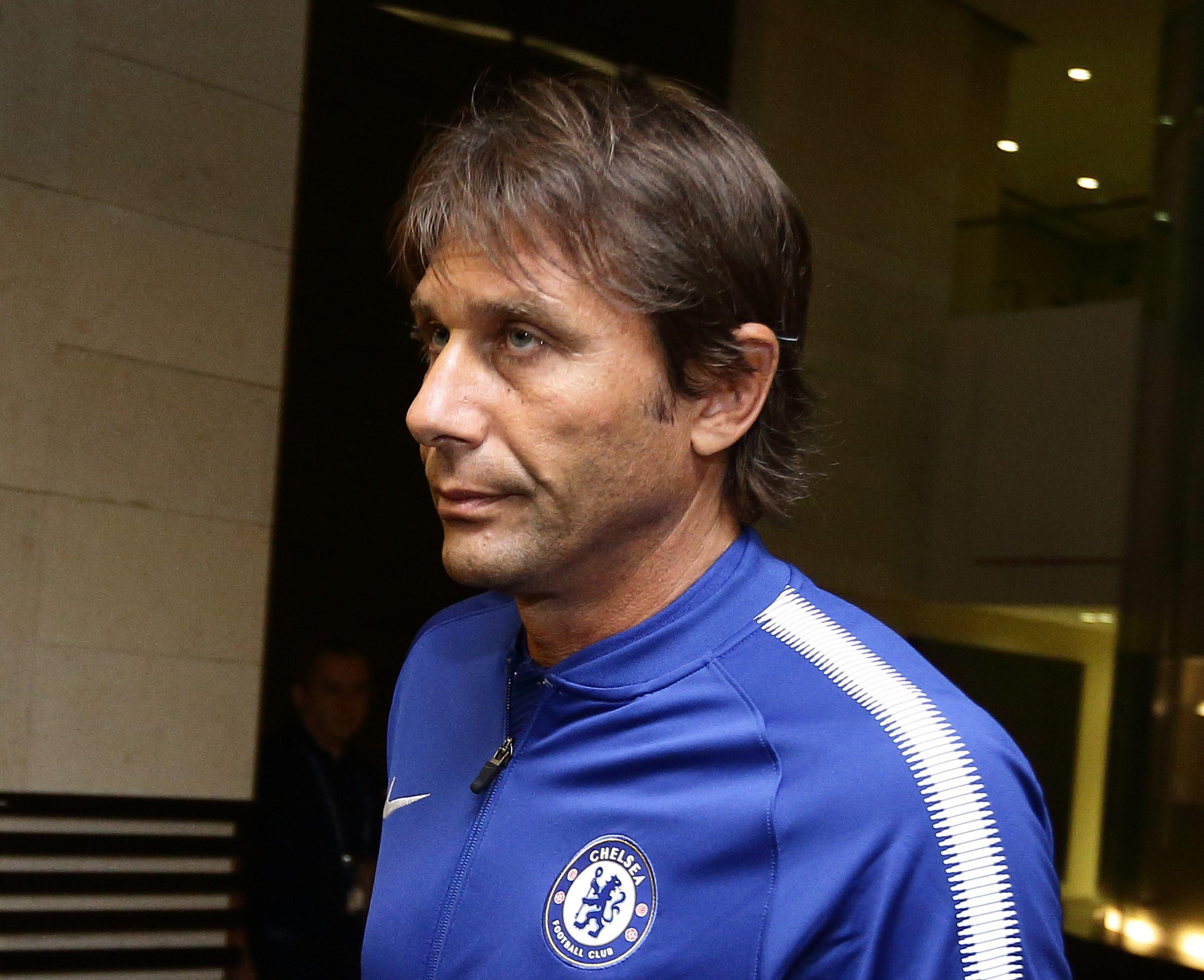 Chelsea delaying Kenedy's Newcastle loan transfer due to Antonio Conte's squad concerns
