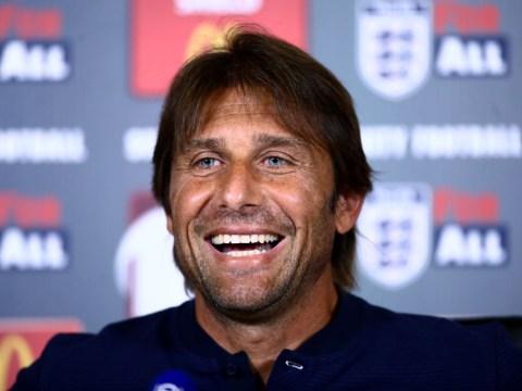 Chelsea plan late bid for Juventus left-back Alex Sandro