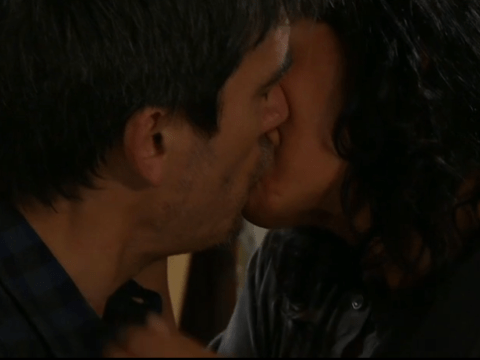 Emmerdale spoilers: Cain and Moira Dingle share a passionate kiss tonight
