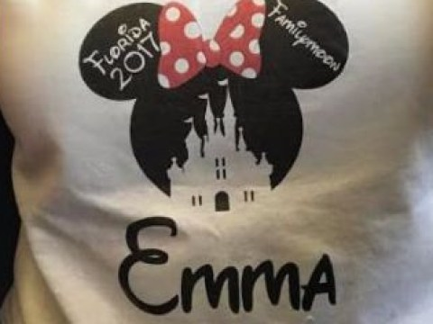 Family banned from airport lounge because they're wearing Minnie Mouse t-shirts