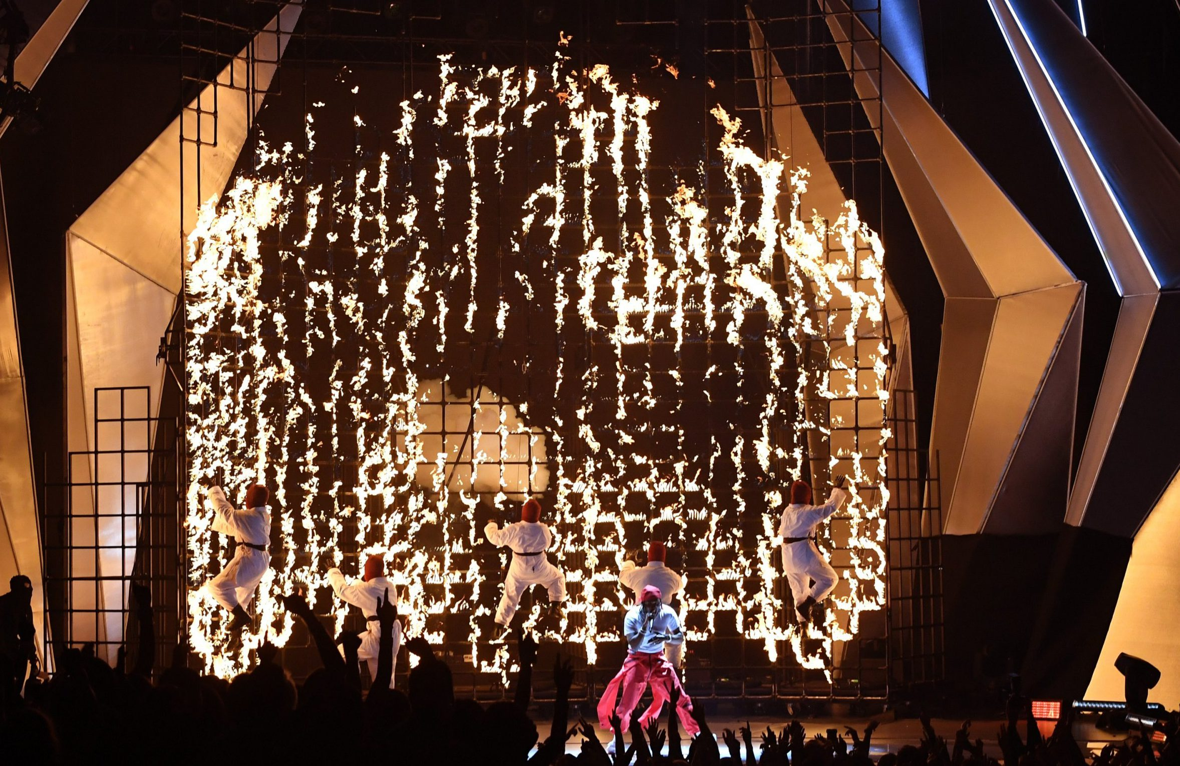 Kendrick Lamar's flaming ninja performance won the MTV VMAs before it started