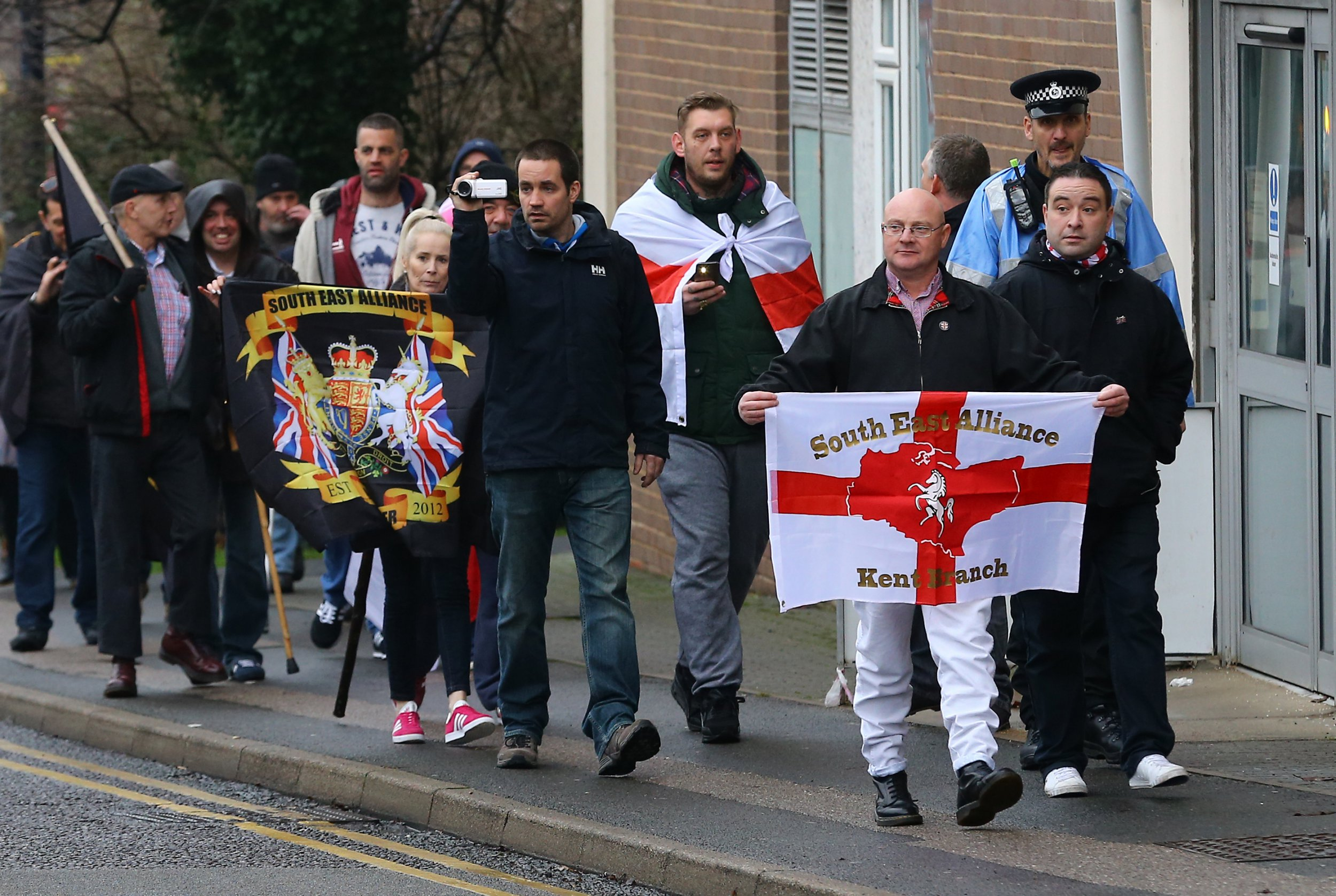 Anti-fascists donate £10 to mosque for every Britain First protester in their town