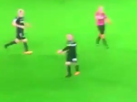 Wayne Rooney berates Mason Holgate for clearance moments before costly error against Manchester City