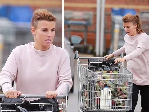 Pregnant Coleen Rooney is still not wearing wedding ring amid claims Wayne has begged Everton for time off