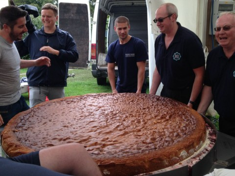 Ladies and gentlemen – the biggest cake in the world