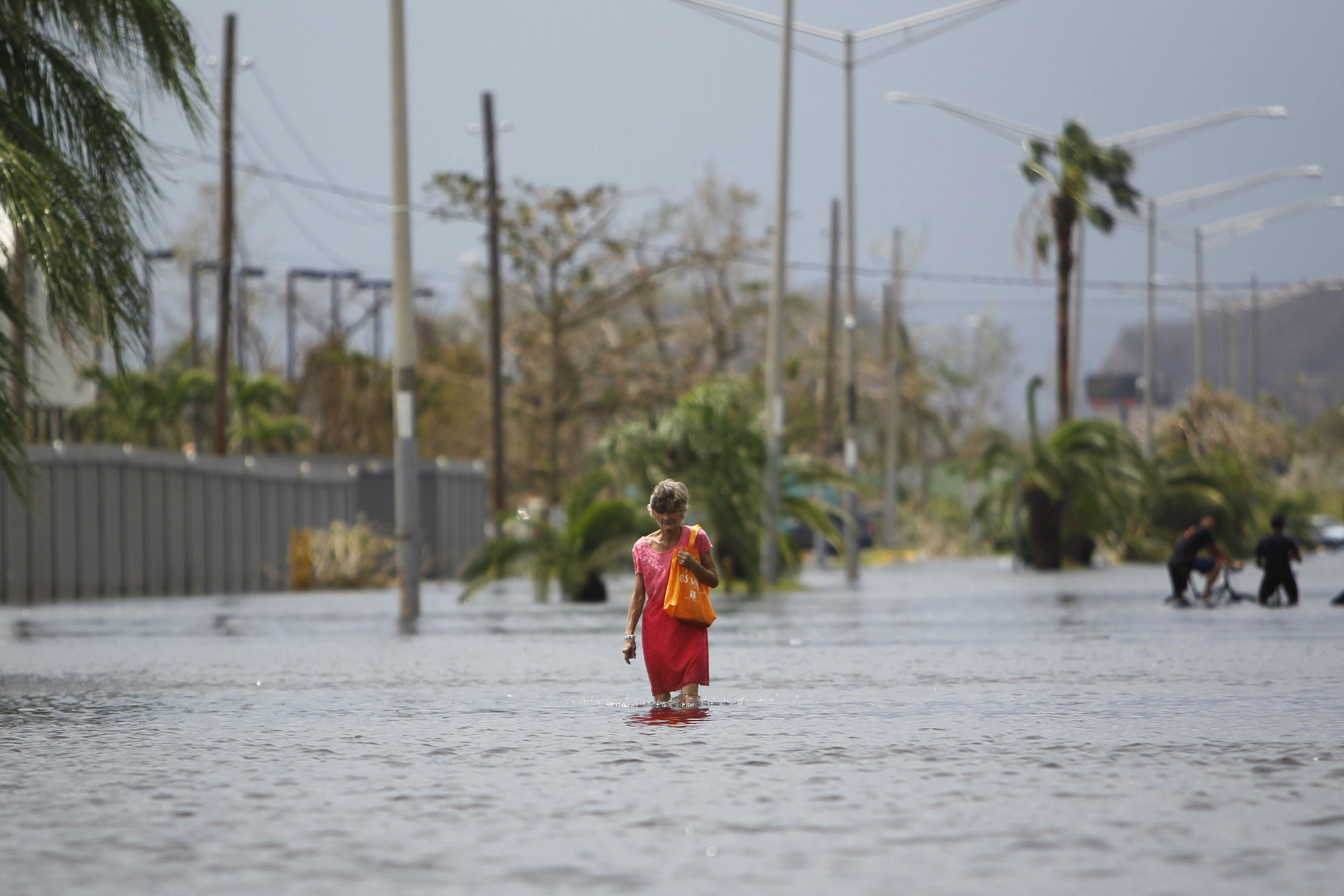 Flash flooding in Puerto Rico as Hurricane Maria causes huge dam to fail