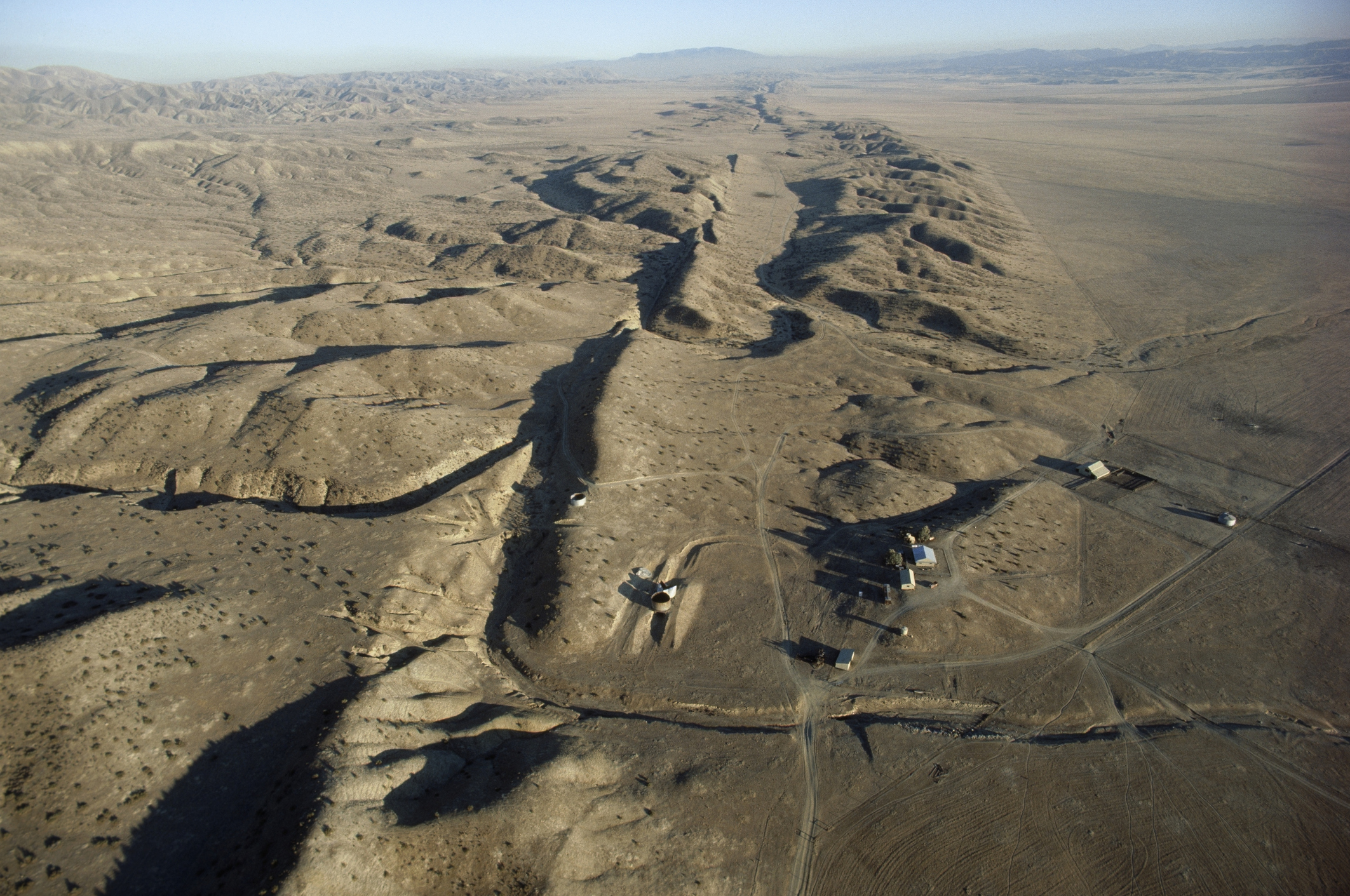 What is the San Andreas Fault and where does it run?