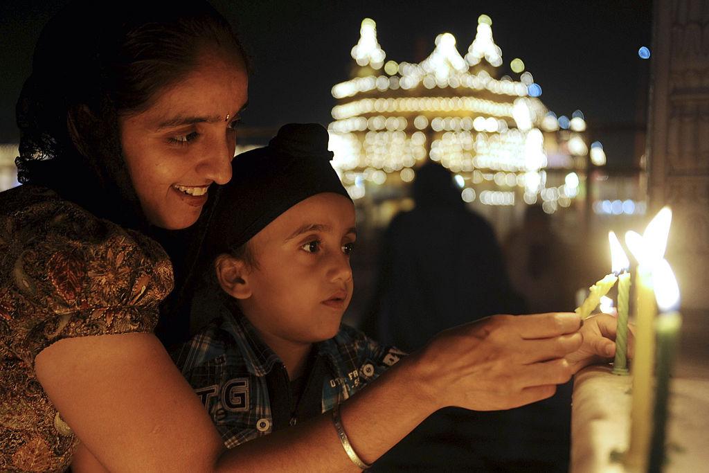Why do Sikhs celebrate Diwali? They are actually celebrating Bandi Chhorh Divas