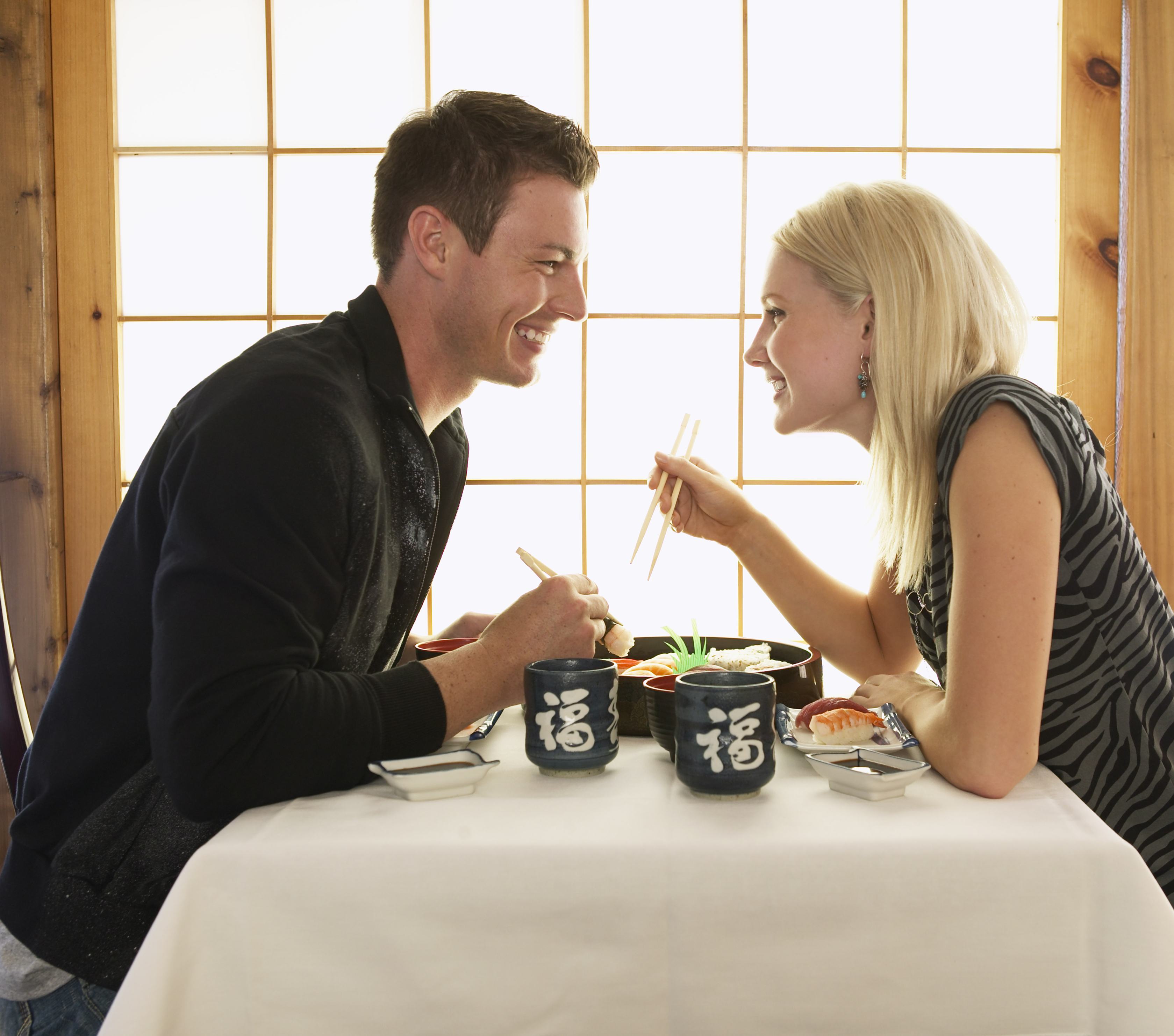 10 ways to nail a first date