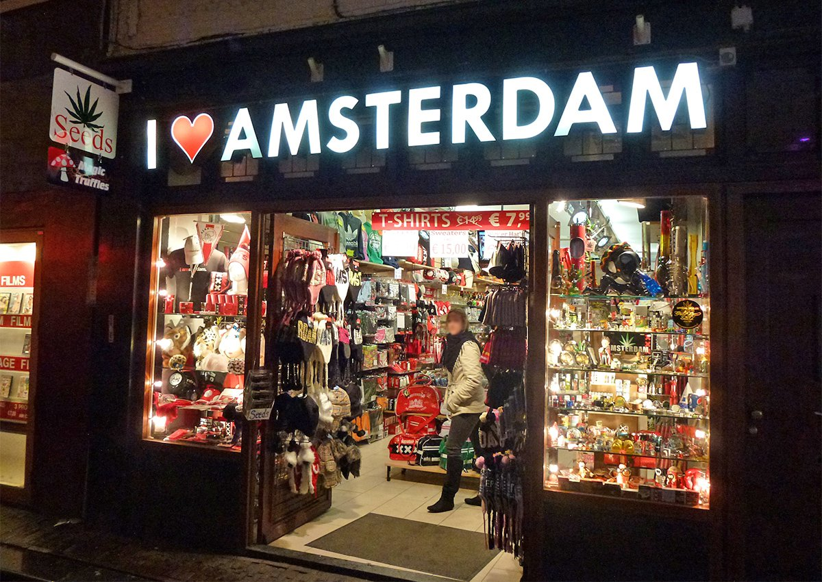 Amsterdam bans any more tourist shops to stop 'Disneyfication' of historic city