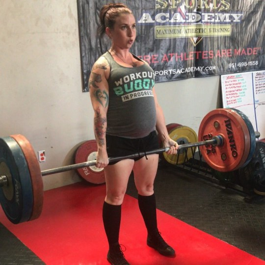 powerlifter diet down ct of pregnant woman