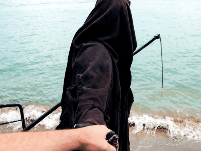 'Swim Reaper' is the only Instagram you need to see this Halloween